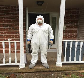 George suited for Mold