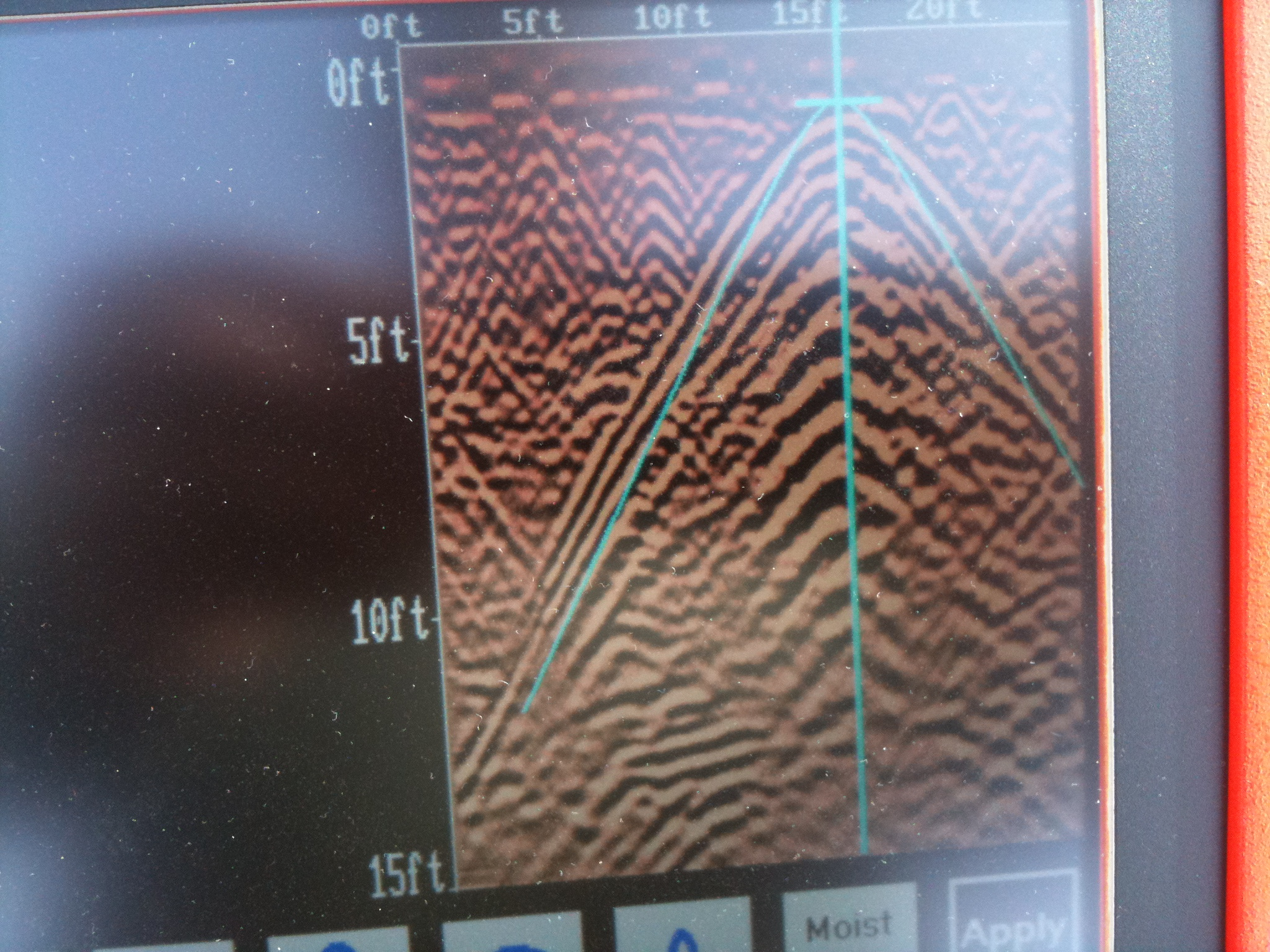 buried oil tank GPR image