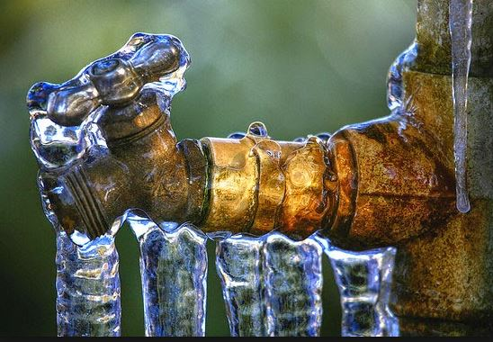Outdoor pipes freeze